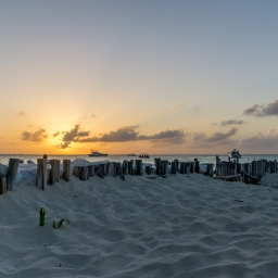Beach, sunsets and golf carts: Isla Mujeres